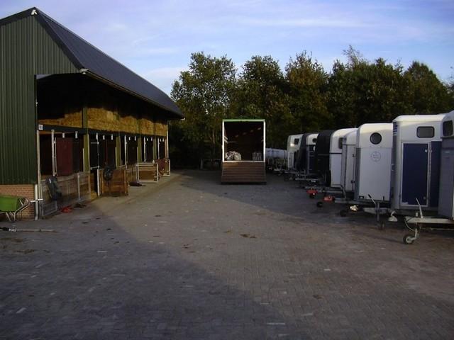 leschevaux-groepsaccomodatie-stallen